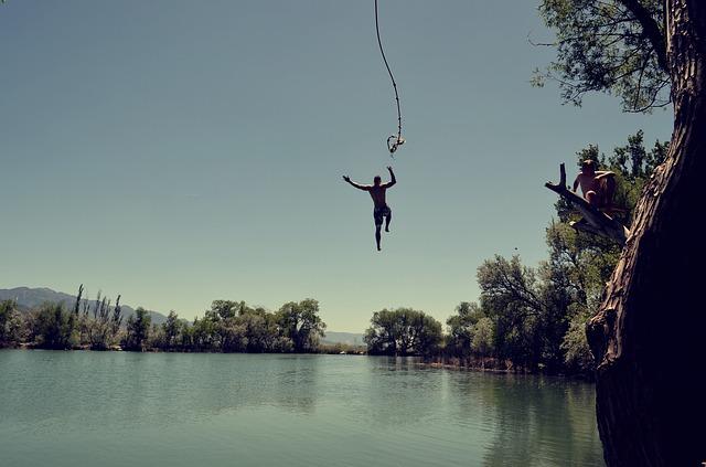 jump-1209647_640