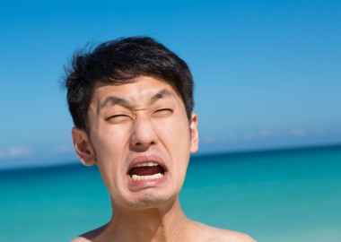 man-shouting-at-the-beach