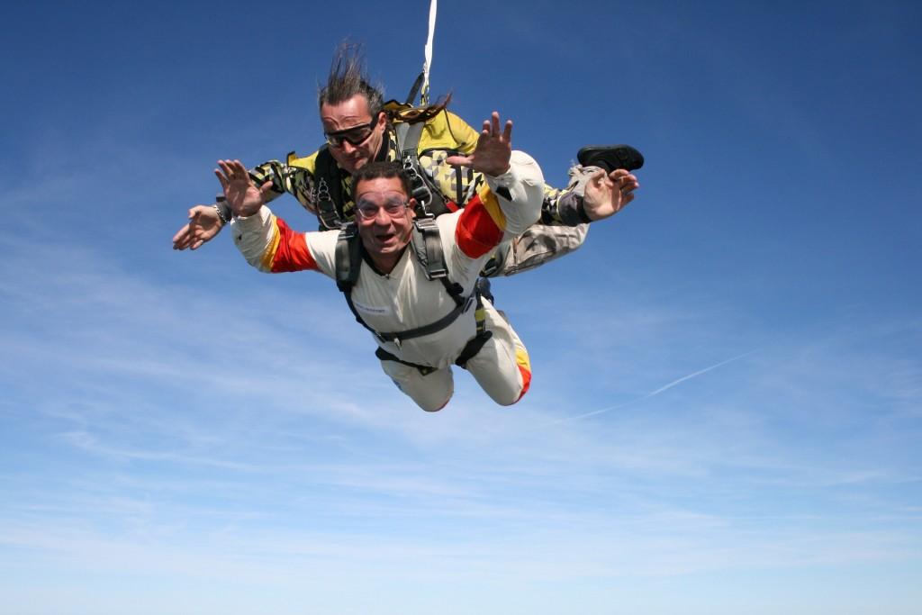 skydiving-721299_1920