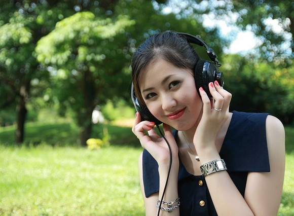 audio-1791929_640