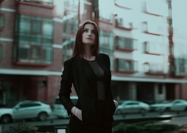 business-lady-1584654_640