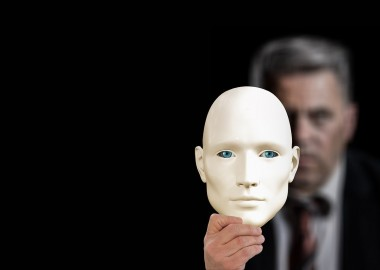 mask-3829017_1280