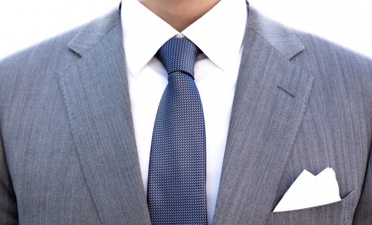 suit-3518471_1920