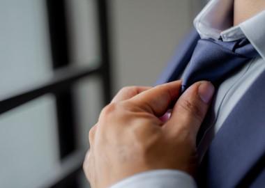 suit-4165752_1920