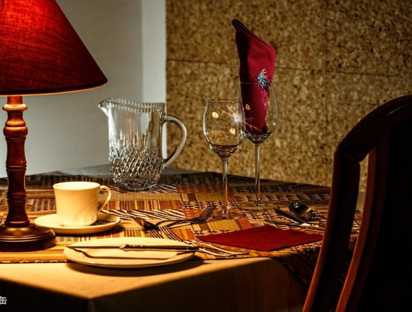 1184254503-dinner-table-444434_1920-o2rB-1280x853-MM-100